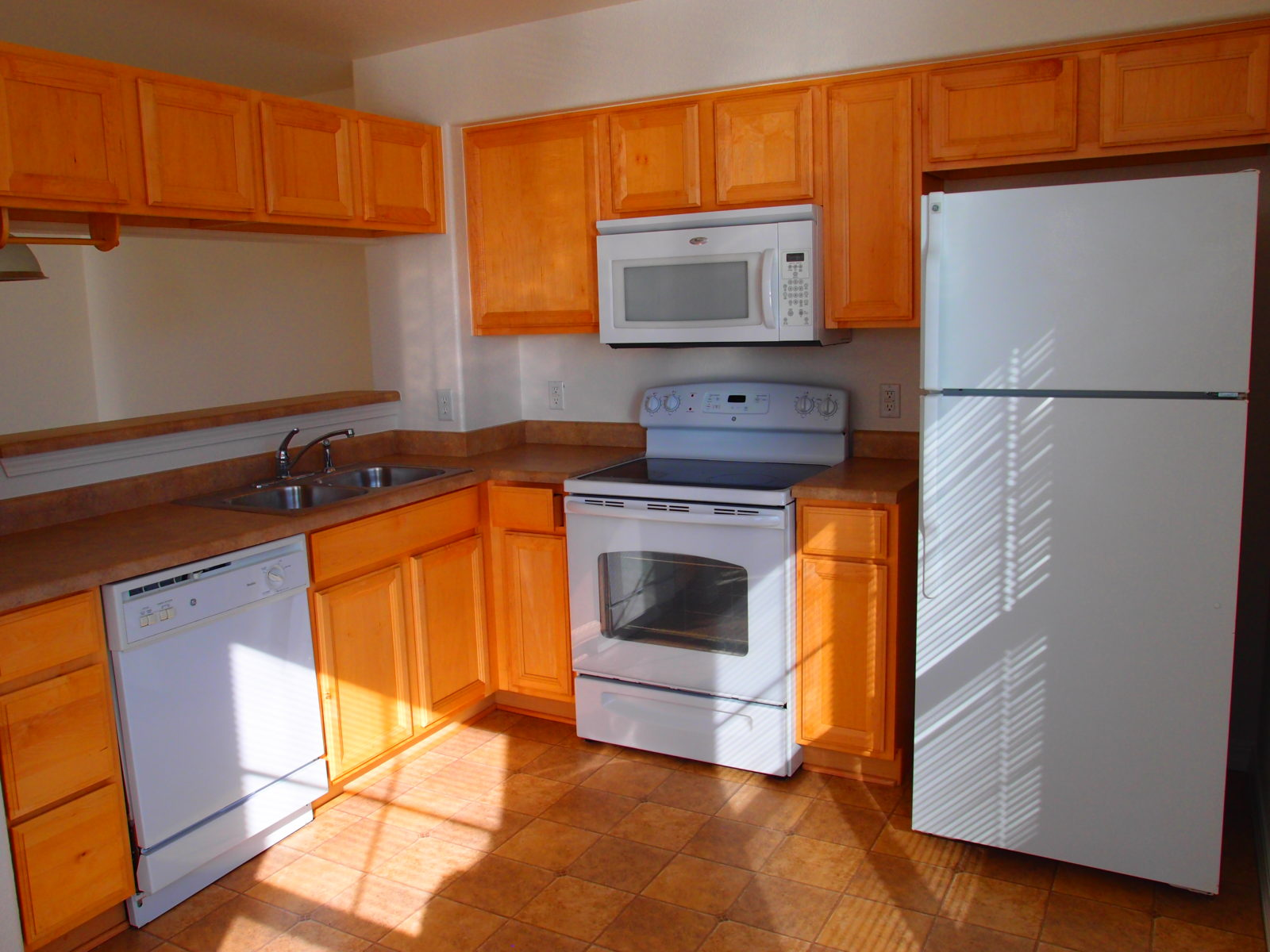 Jasmine Kitchen 2