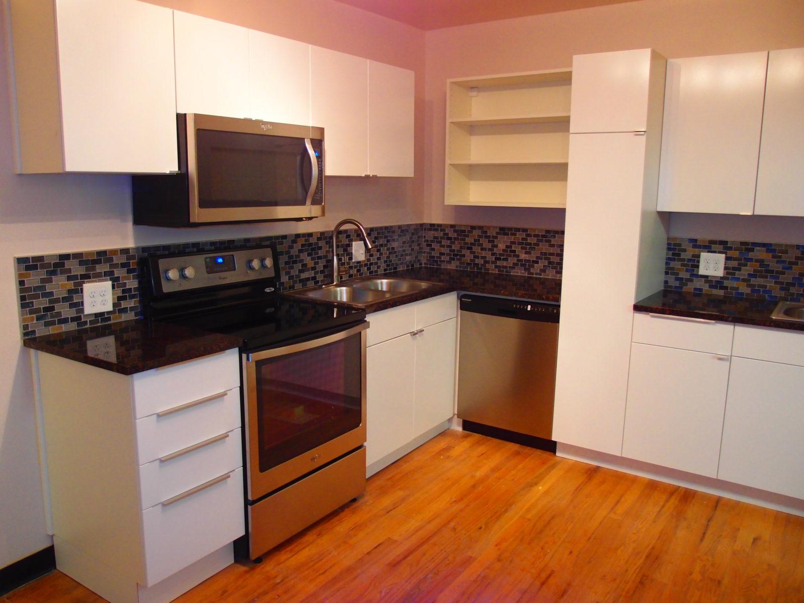 909 male kitchen 3