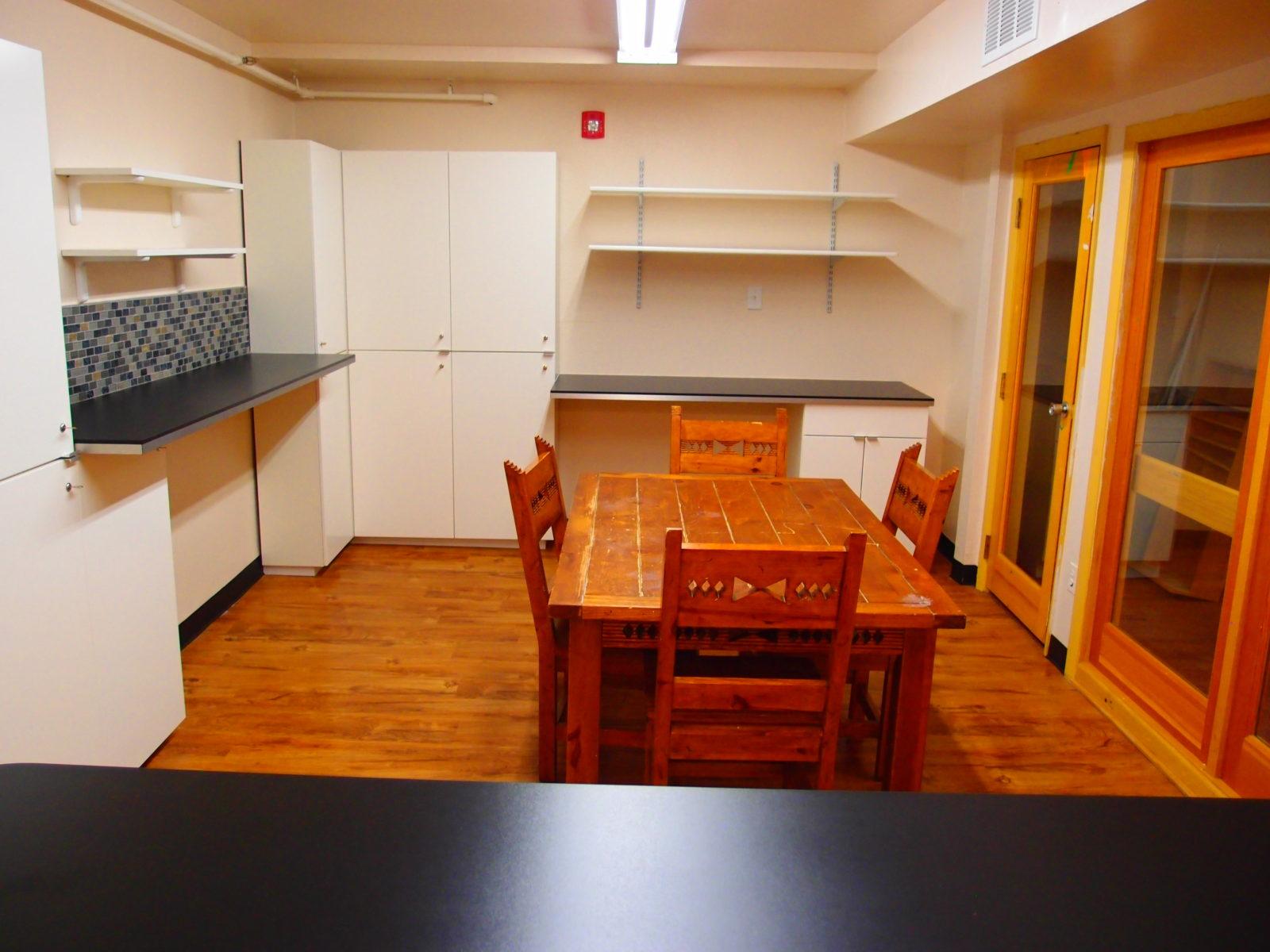 909 male kitchen 6