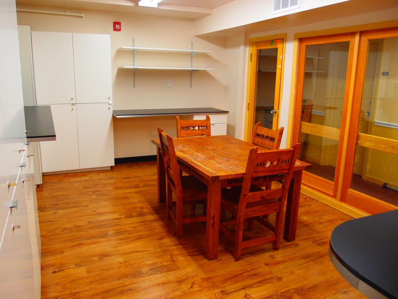 909 male kitchen 7