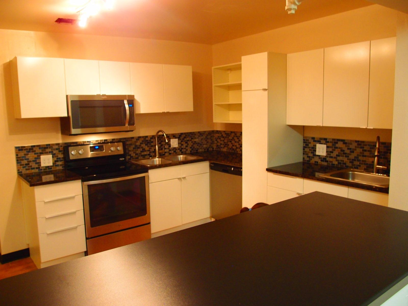 909 male kitchen 1