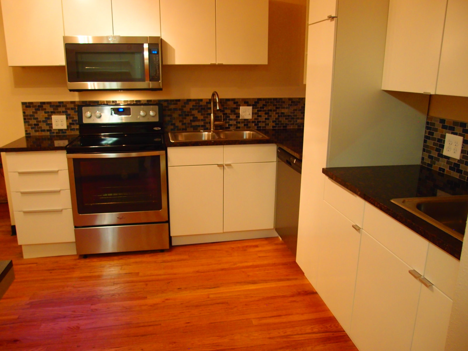 909 male kitchen 2