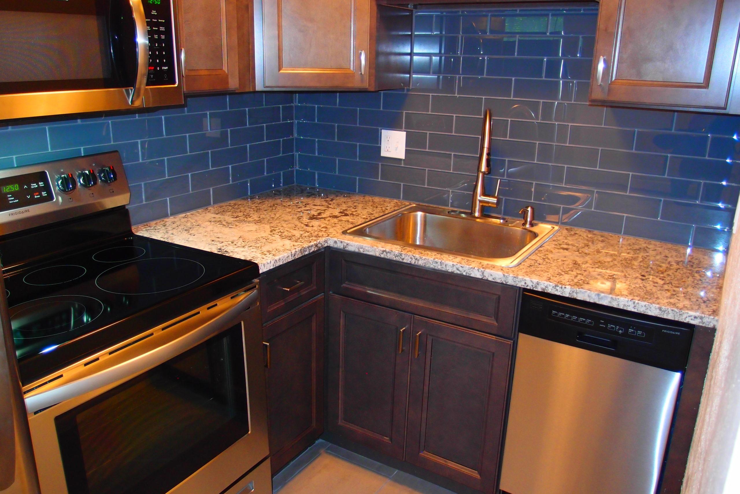 Kitchen Unit 2 Close