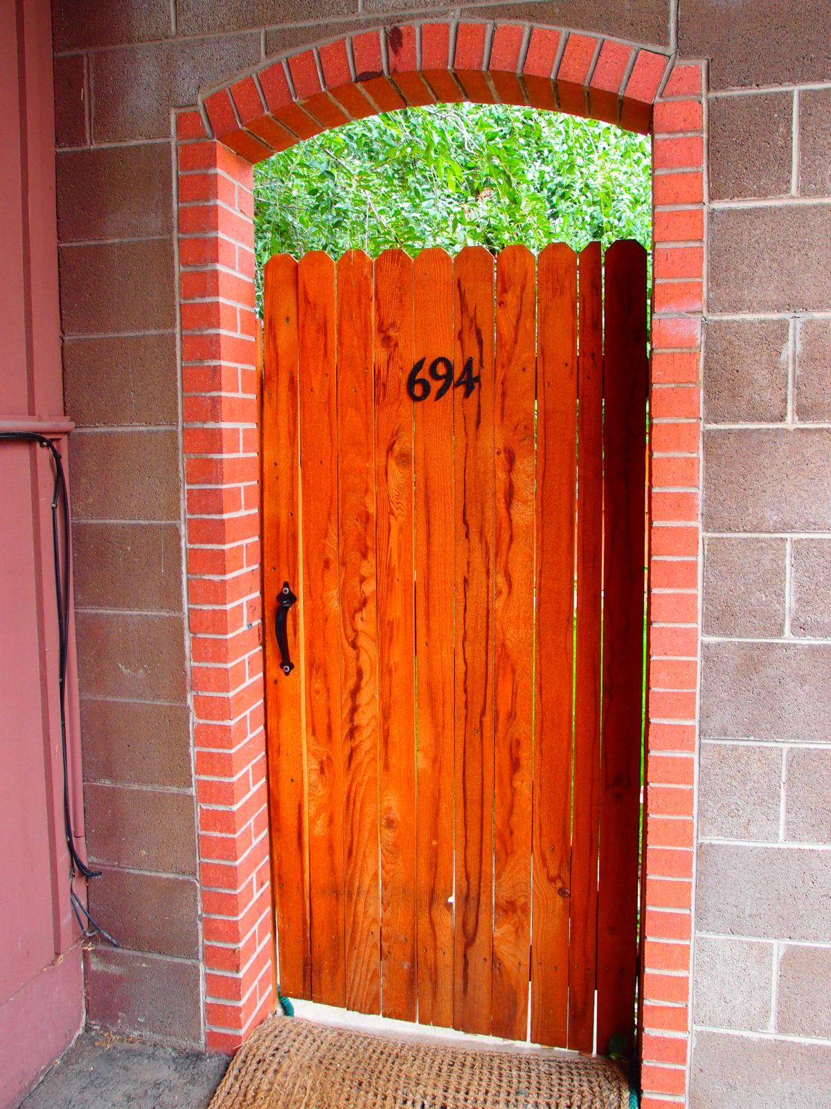 694 Inca gate