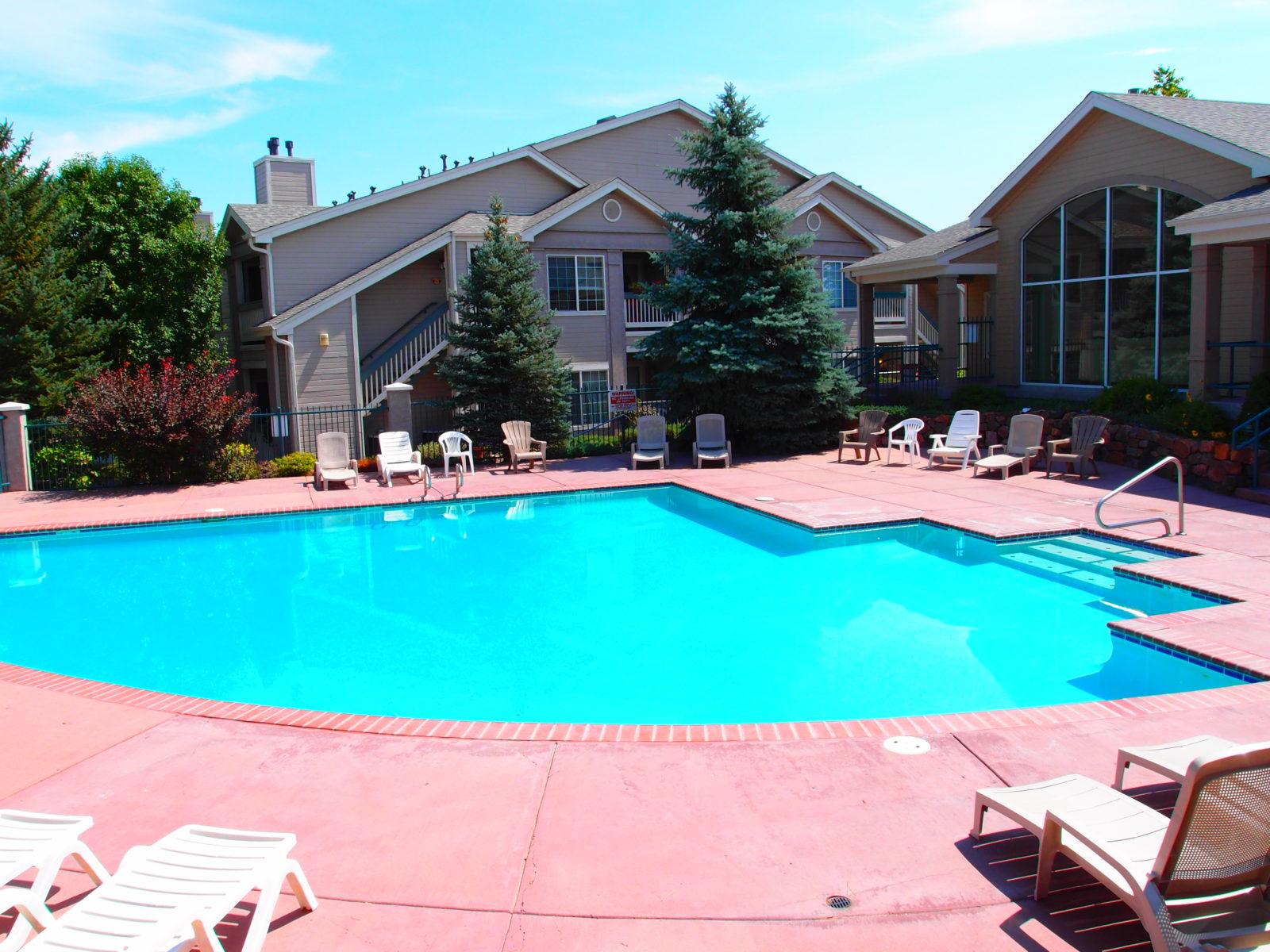 Miramonte Ranch Pool