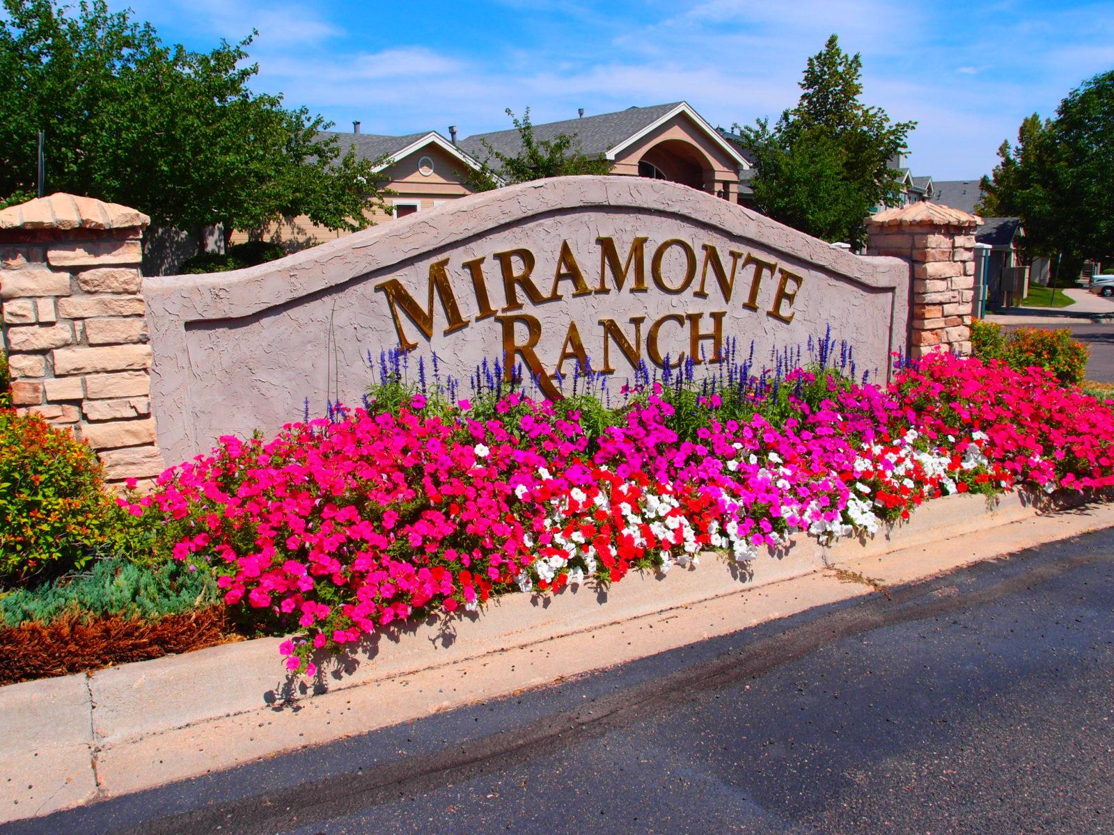 Miramonte Ranch Entry
