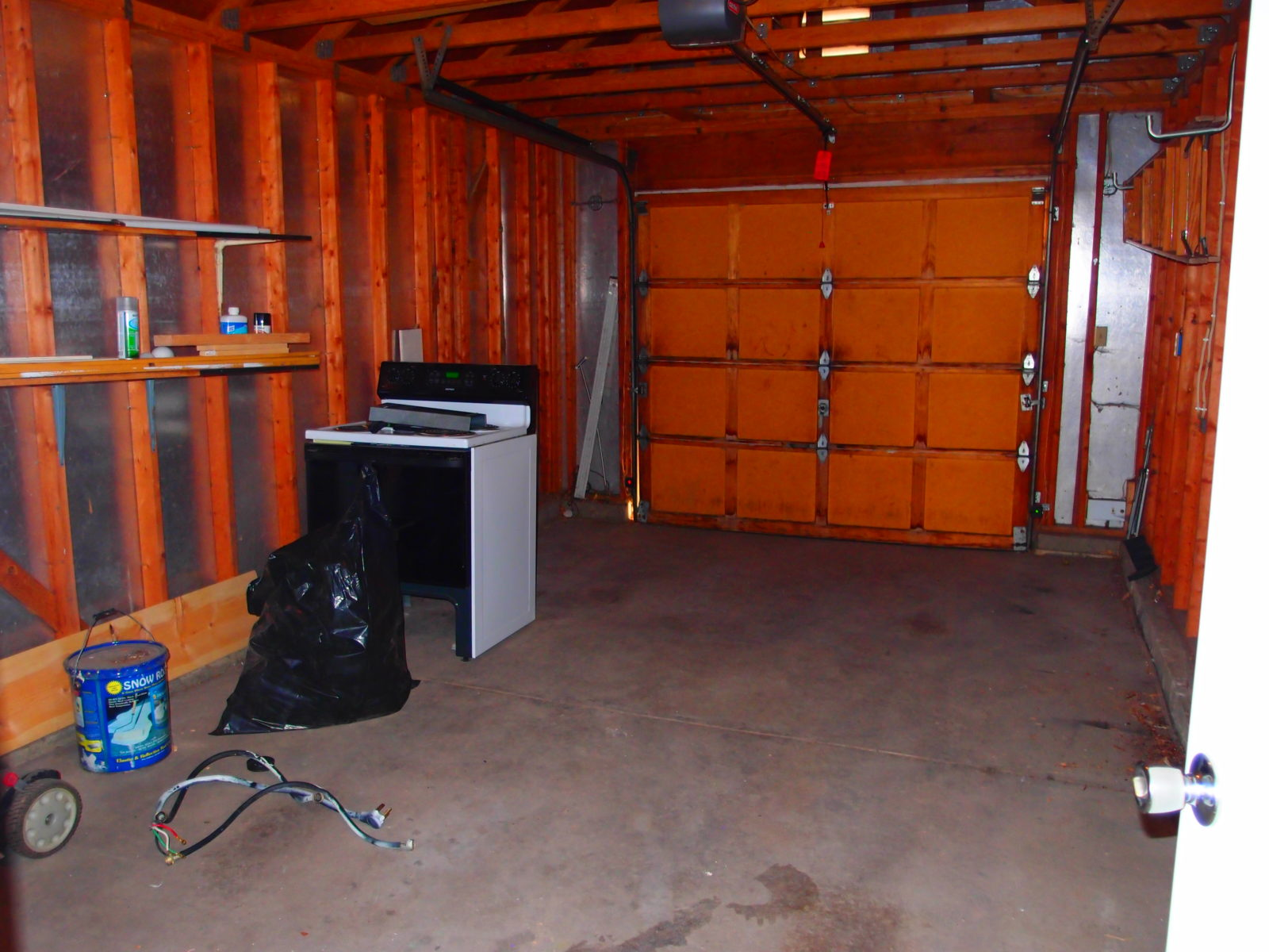 1455 Garage inside