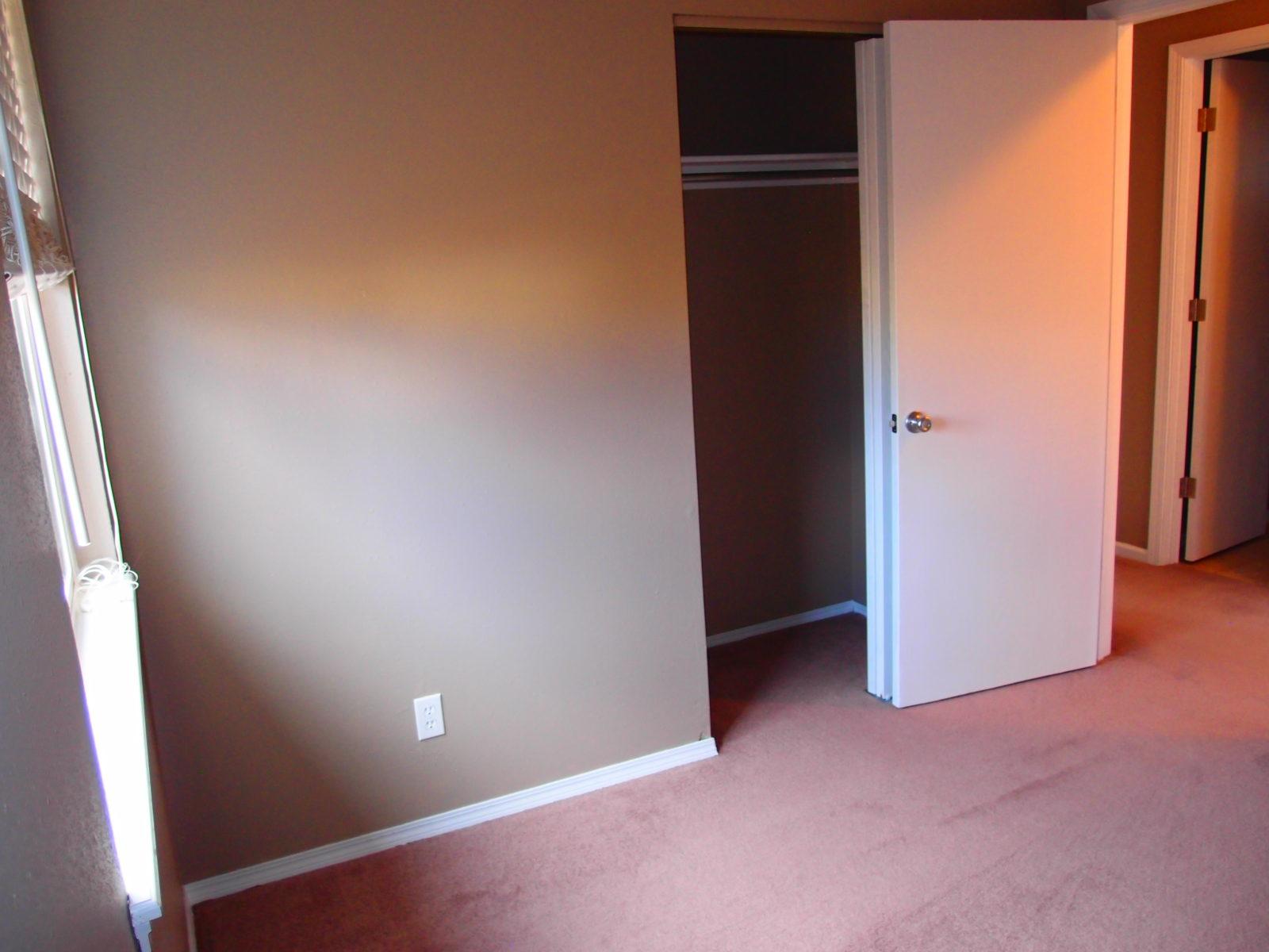 1455 Bed 2 Closet