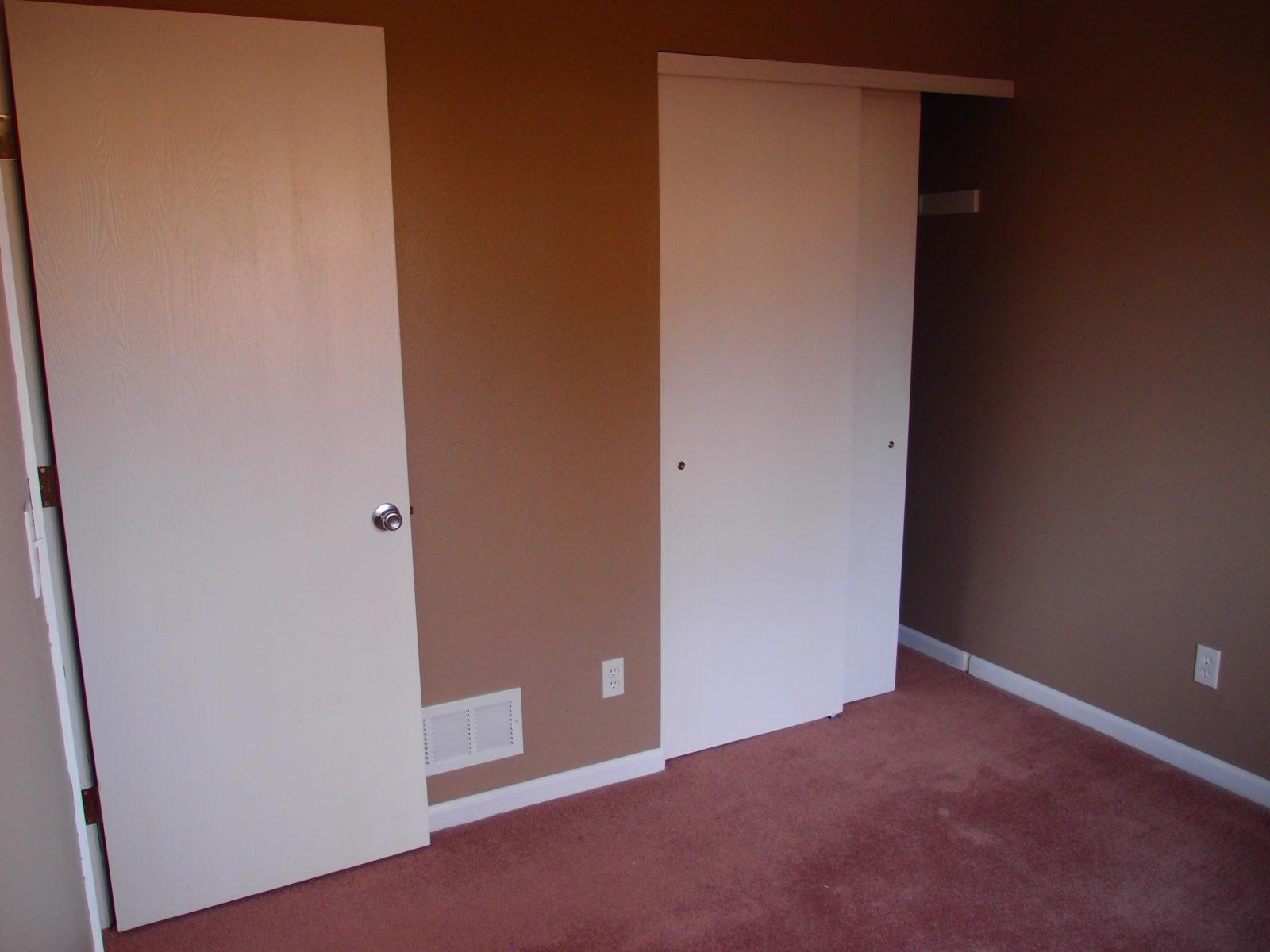 1455 Bed 3 Closet