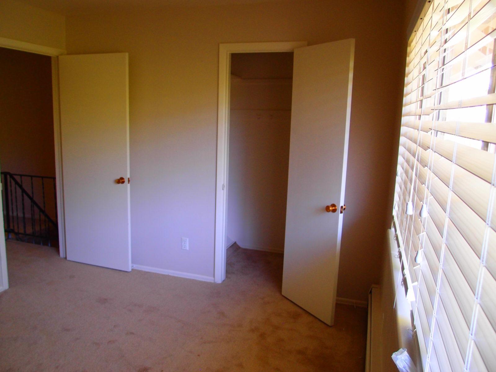 2473 2 closets