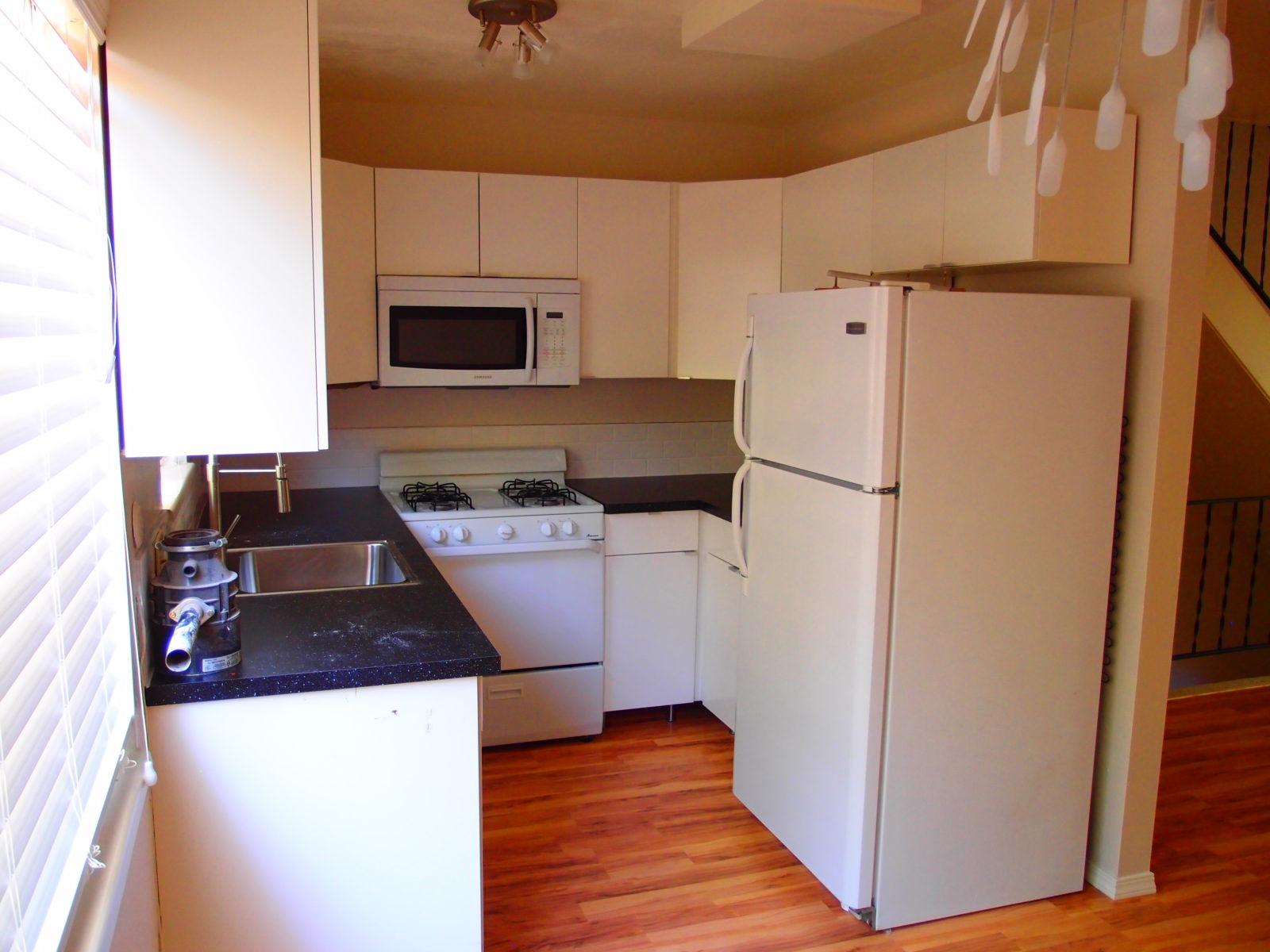 2473 2 Kitchen