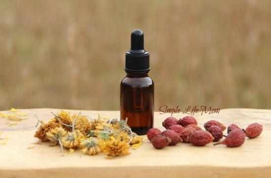 Eye Serum - 100% natural with essential oils from Simple Life Mom