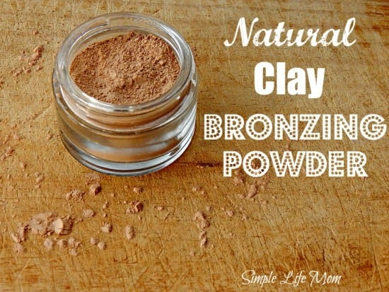 Natural Clay Bronzer - an easy DIY bronzing powder from Simple Life Mom