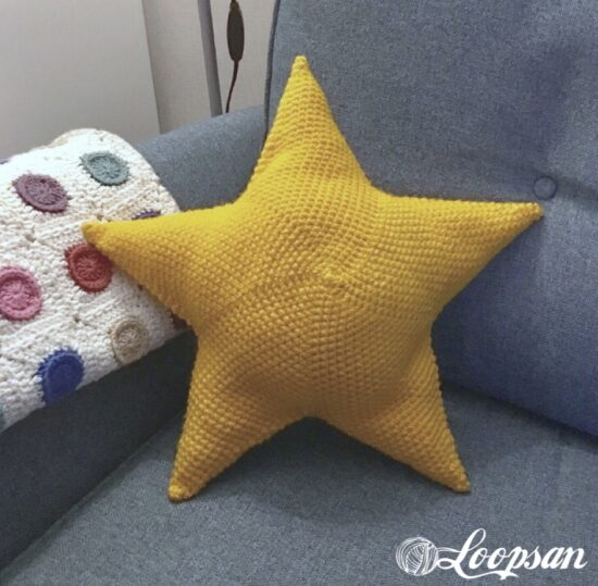 Homestead Blog Hop Feature - How to Make a Twinkle Star Pillow