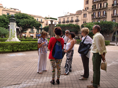 Bianca and a group of tourists in Palermo