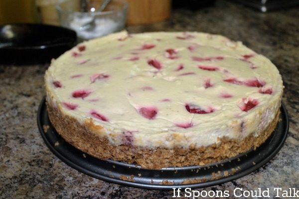 strawberry cheese cake out of pan