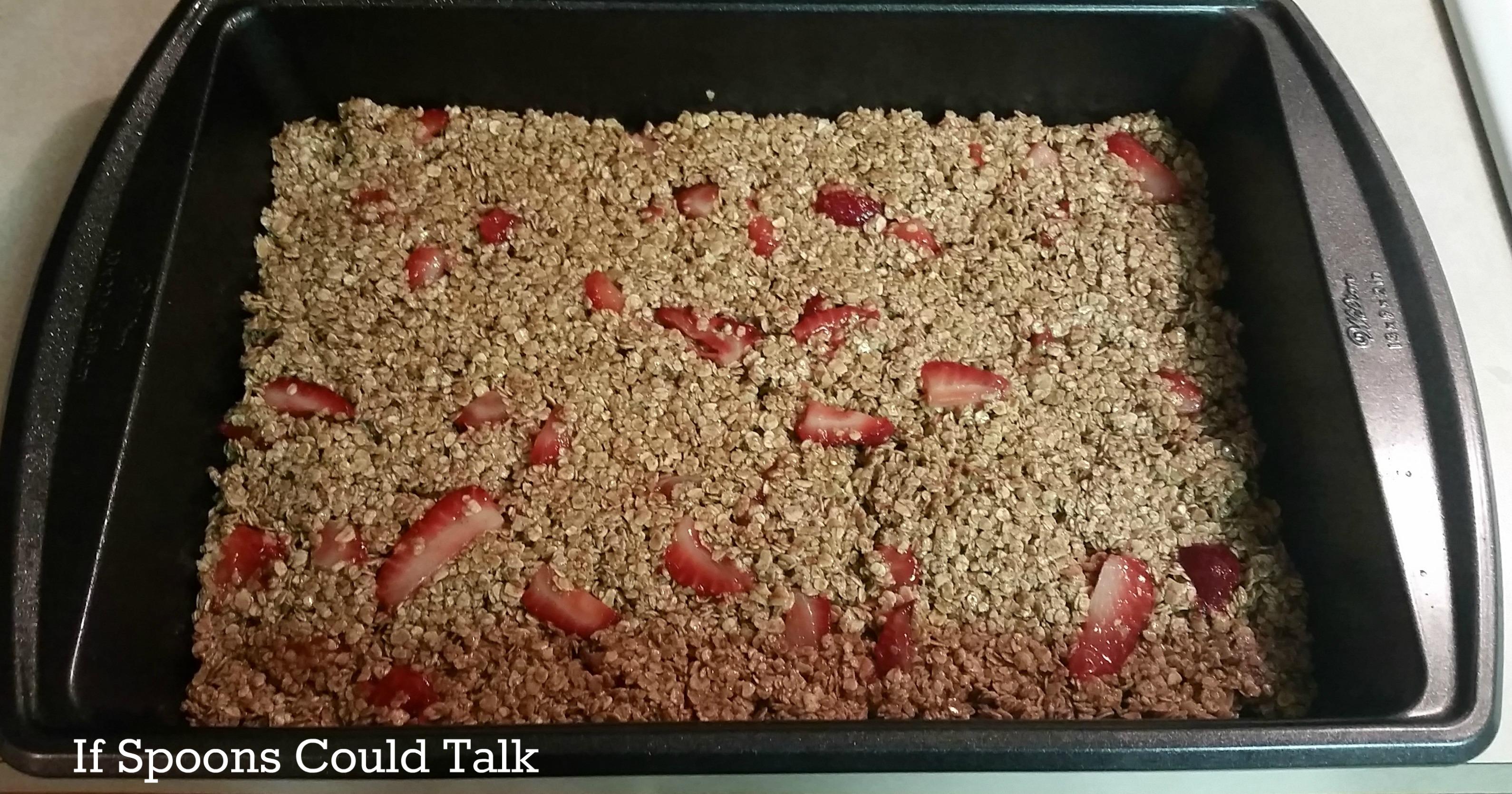 strawberry banana oatmeal breakfast bar