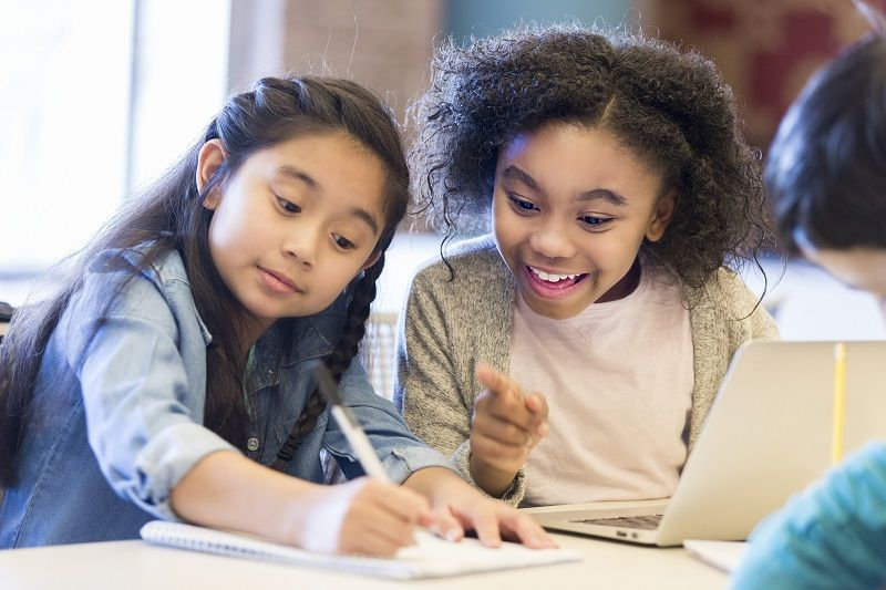 Elementary-schoolgirls-brainstorm-ideas-cm