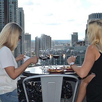 ladies city view Chicago Rooftop Crawl