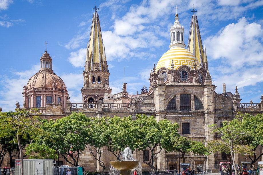mexico-guanajuato art gallery