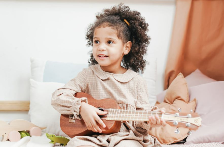 Singing and Guitar Children Lessons