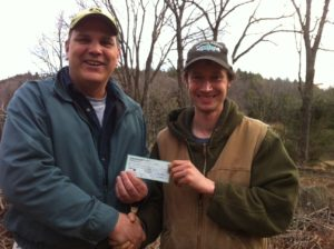 1500-check-presented-to-franklin-land-trust-for-crowningshield-property