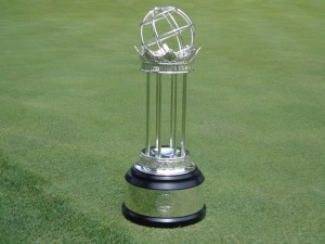 DSC02854 Crown trophy on 18 green pic 5 DS