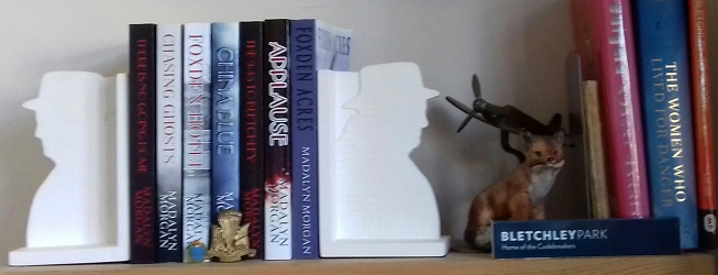 Books with Winston Churchill bookends