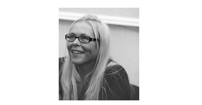 Feature Image - Noelle Holten