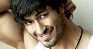 Hindi remake of south film Paiyaa next for Vidyut