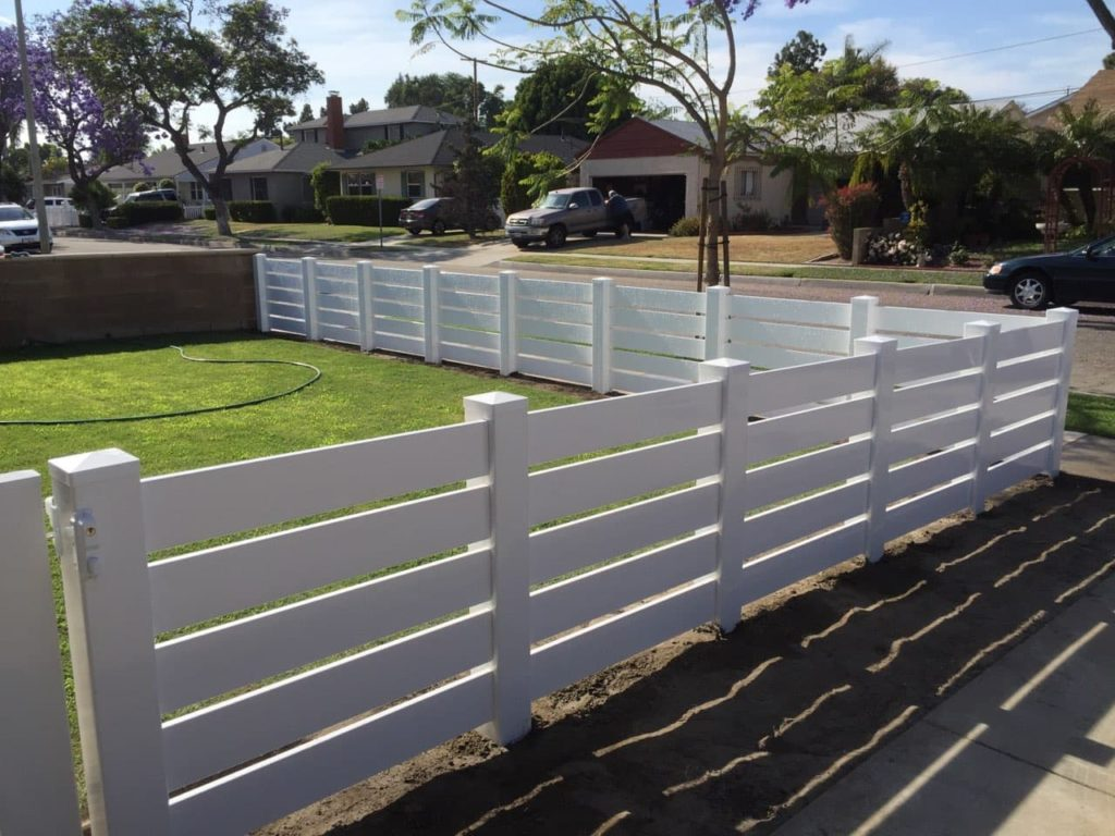 Vinyl -fence- styles- for- 2020