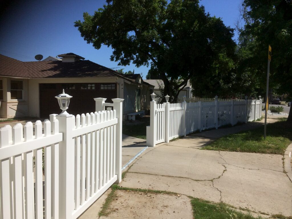 Vinyl Picket Fence Calabasas
