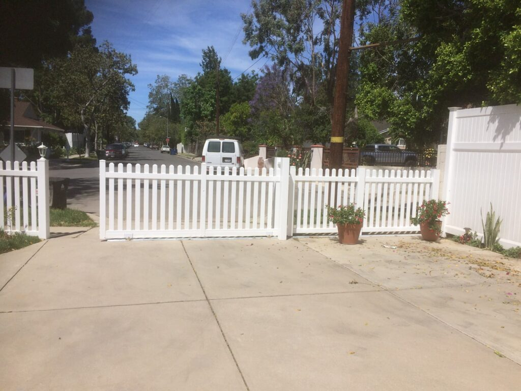 Vinyl Picket Fence Beverly Hills, CA