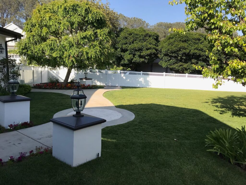 Benefits-of-White- Vinyl- Privacy- Fencing