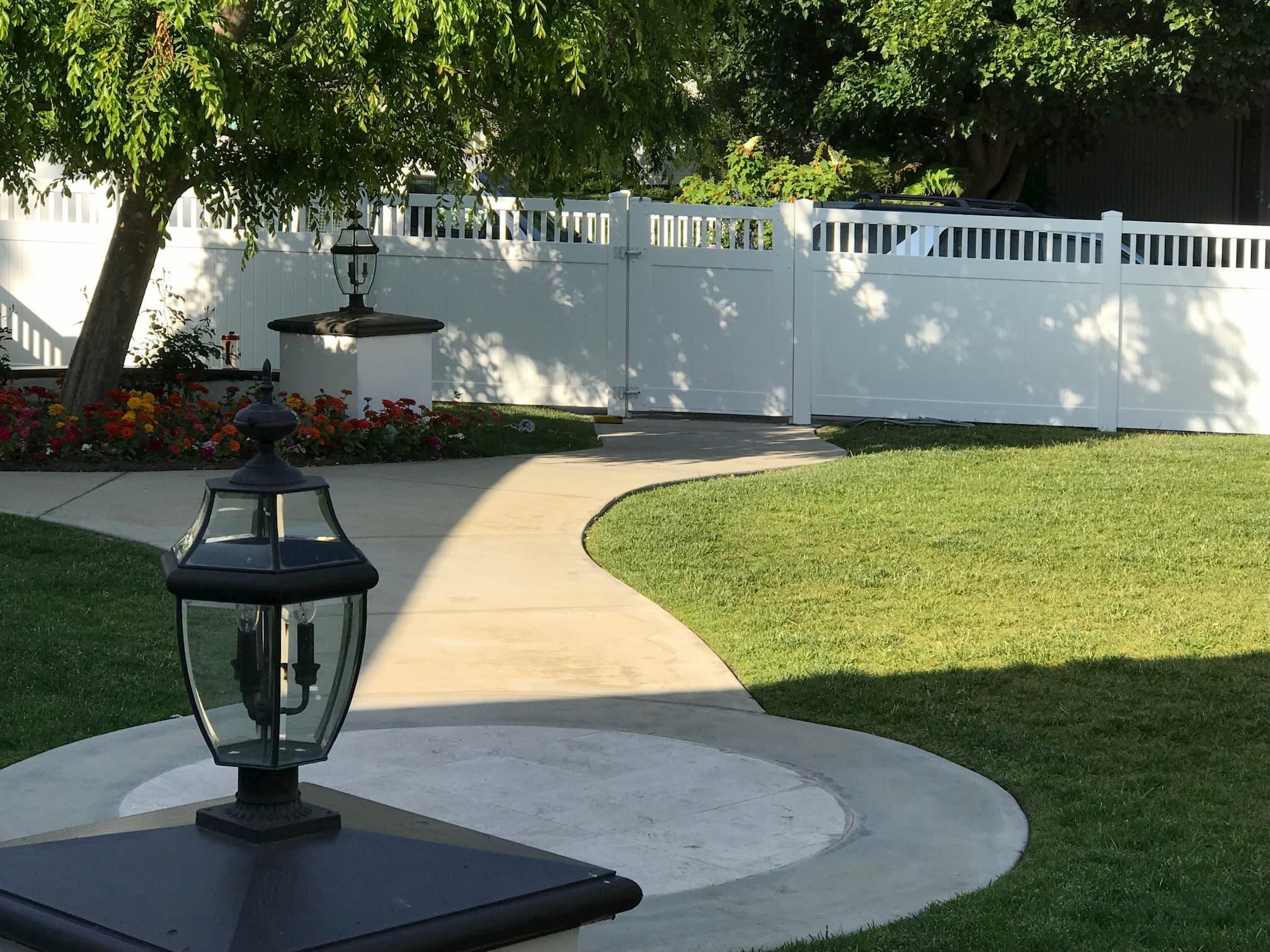 Vinyl Semi-Privacy Fence Los Angeles