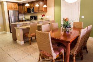 One-Bedroom Deluxe Villa dinning area