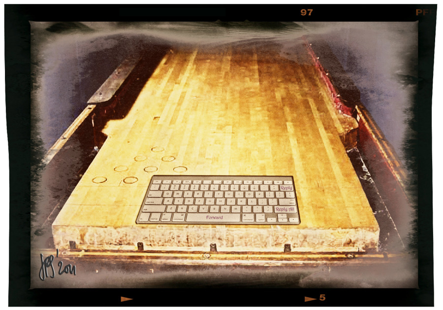 Shuffleboard 2.0. The modern way of sliding the groat