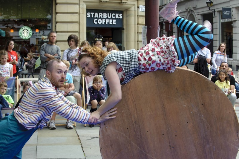 On The Grass (Royal Exchange Theatre; Photo - Joel Fildes)