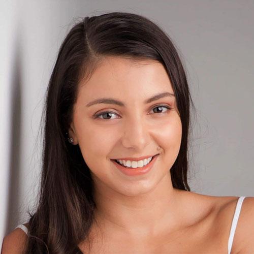 Portrait of Elyssa Masstoianni