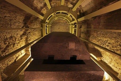 Tour inside the Serapeum of Saqqara
