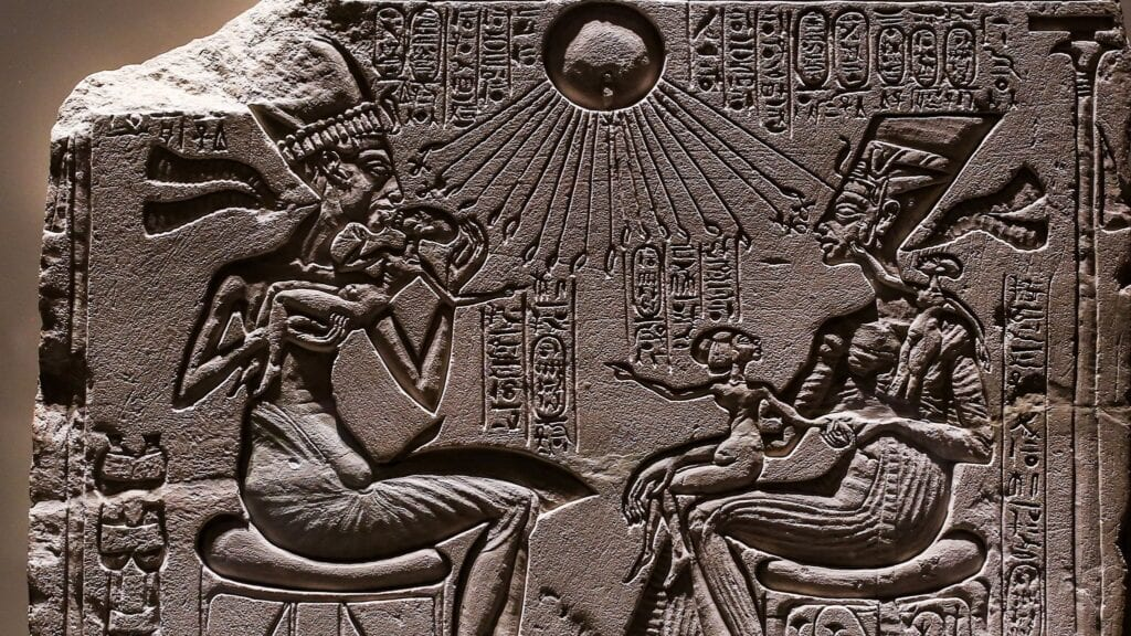 Relief-depicting-Akhenaten-and-Nefertiti-with-three-of-their-daughters-under-the-rays-of-Aton-the-golden-lost-city