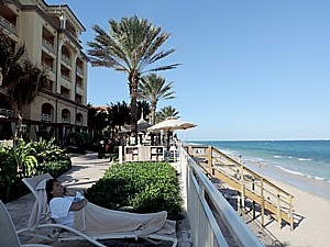 Eau Palm Beach Resort & Spa occupies an exquisite location on the beach at Palm Beach Island© 2015 Karen Rubin/news-photos-features.com