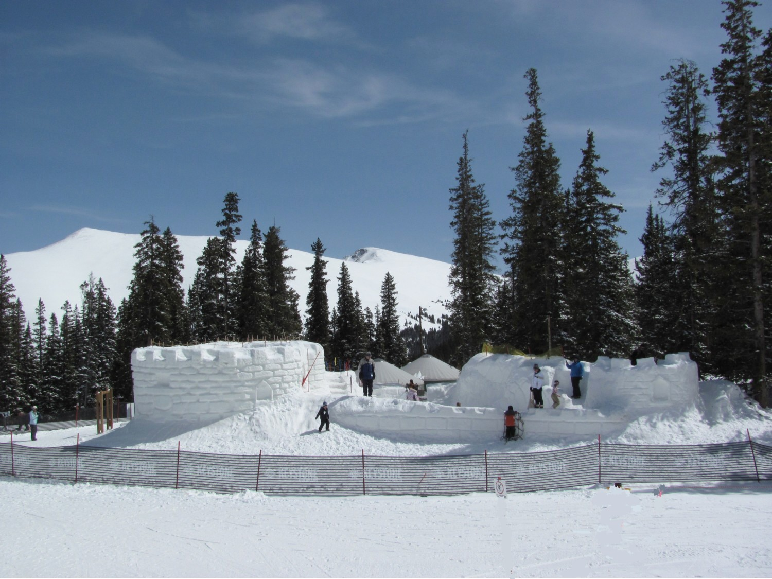Enjoy unlimited access to Keystone Mountain, Colorado, with its fabulous Kidtopia Fort and kid-friendly activities, with Vail Resorts' Epic Pass © 2016 Karen Rubin/goingplacesfarandnear.com