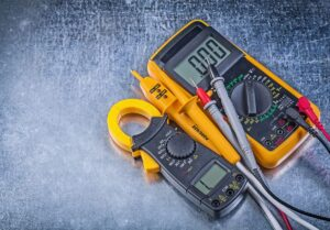 Fluke electrical voltage tester with .000 reading.
