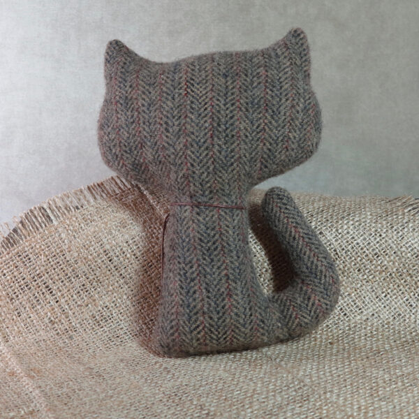 handmade by patrice wool cat back