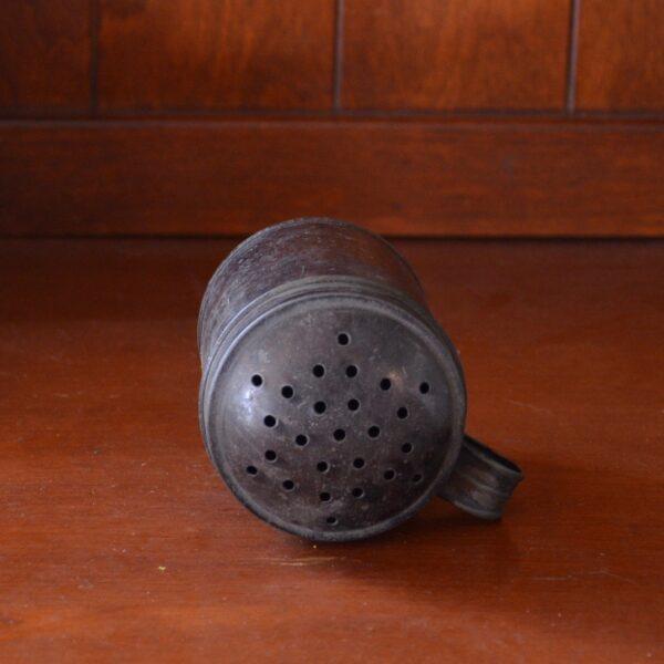 Tin Shaker Top