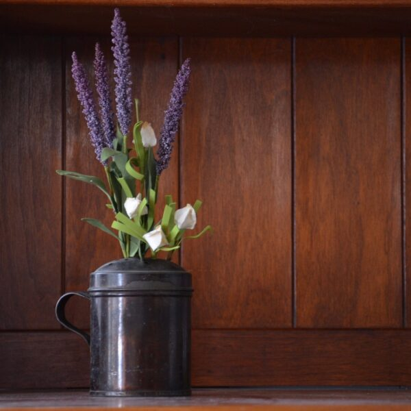 Tin Shaker with Lavender and White Flowers (1)