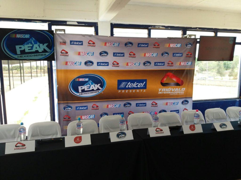 NASCAR, triovalo cajititlán, rueda de prensa