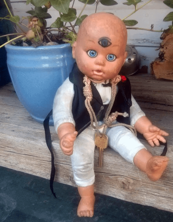 our_verne_troyer_the_sacred_key_keeper