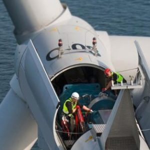 wind-turbine-maintenance-5237